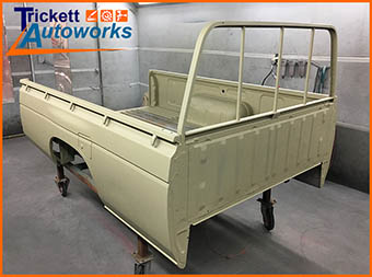 Truck Bed - dismantle, rejuvenate and respray